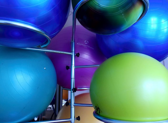 Sitzbälle für Physiotherapie Logoentwicklung